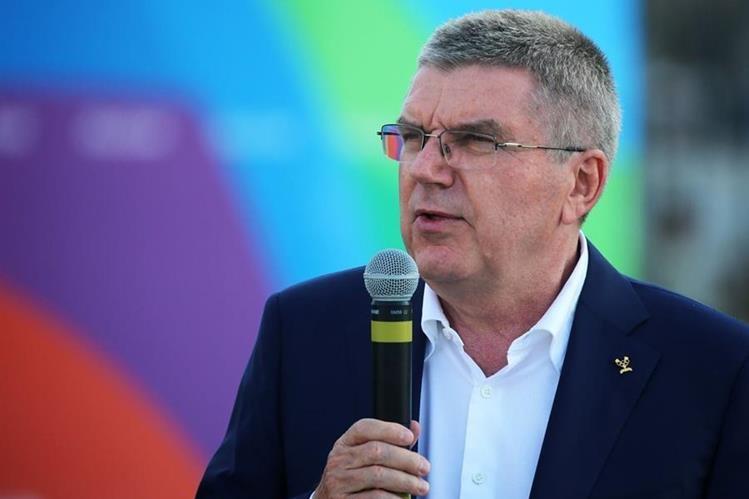 El presidente del Comité Olímpico Internacional, Thomas Bach sigue de cerca los últimos detalles previo a la inauguración de los Juegos. (Foto Prensa Libre: EFE)
