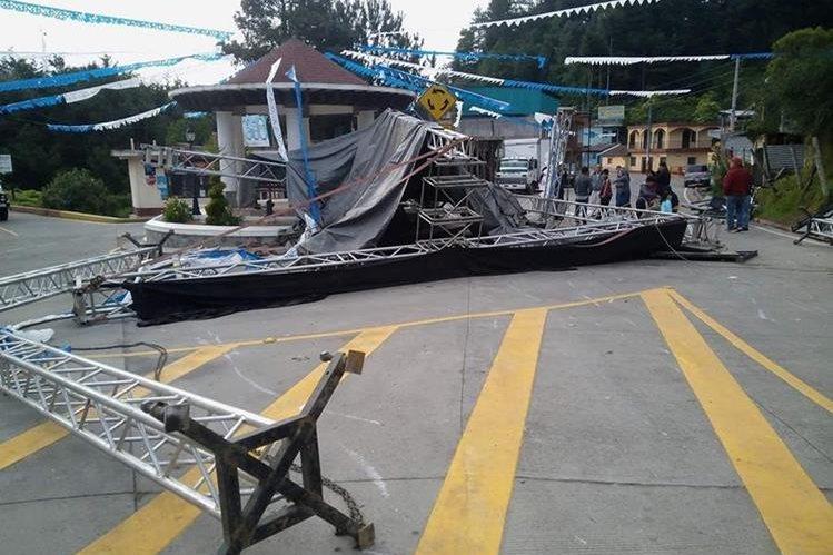 El vehículo que causó el incidente se dio a la fuga. (Foto Prensa Libre: Whitmer Barrera)