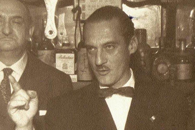 Rodríguez Macal (derecha), con el escritor español Pedro Caba, 1958.(Foto: Cortesía María Elena Rodríguez Chávez).
